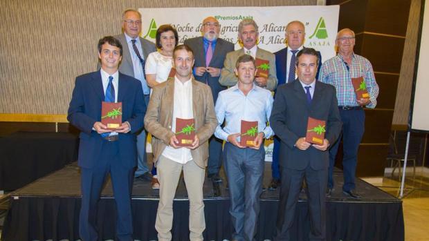 Los premiados en la Noche de la Agricultura Alicantina, con Eladio Aniorte y Rodríguez Mulero