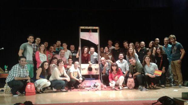 Hemeroteca: Candidatos del PSOE de Alicante «guillotinan» a Rajoy en un acto   Autor del artículo: Finanzas.com