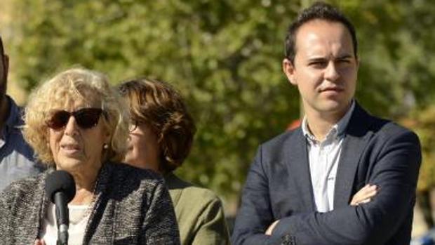 """Carmena y Calvo, en la campaña """"Un mes, un distrito"""""""