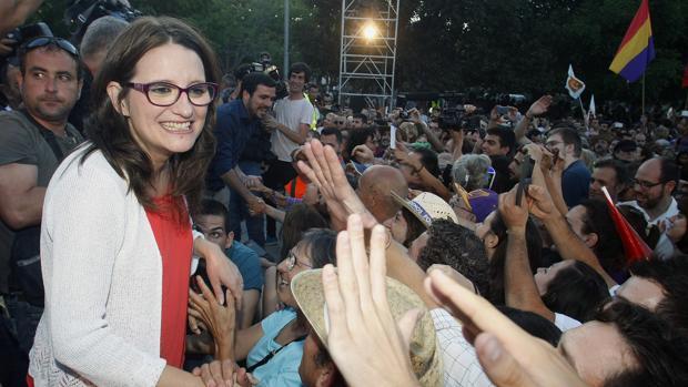 Imagen de Mónica Oltra en un mitin en Alicante