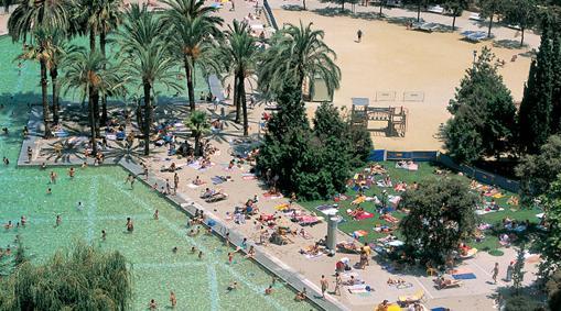 Las cinco mejores piscinas de barcelona for Piscina creueta del coll