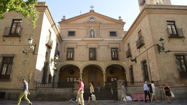 Fachada de la iglesia de San Ginés, en la calle del Arenal