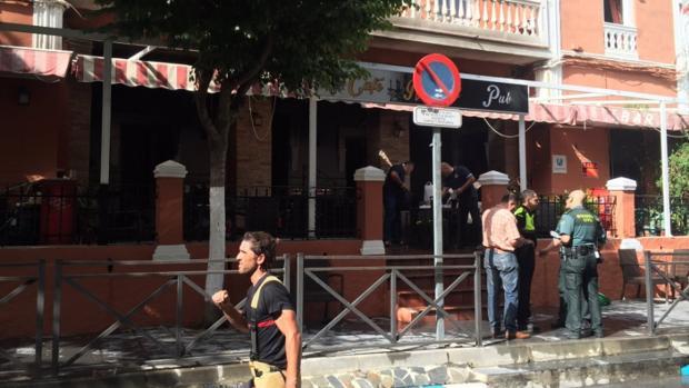Un muerto y dos heridos graves en un incendio en un bar de Lanjarón