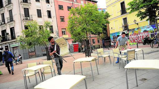 Multas por aparcar las sillas de las terrazas del centro for Kfc terrazas de mayo