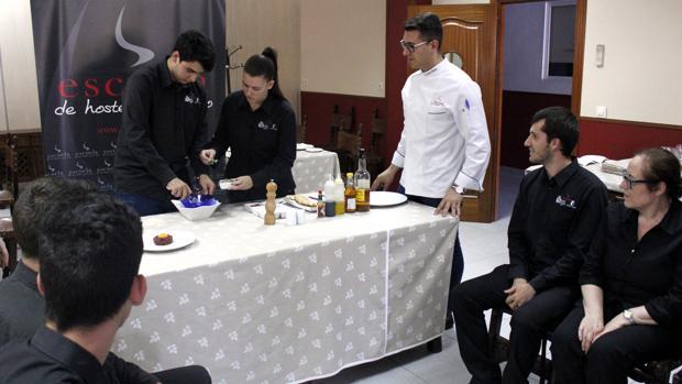 Alumnos de la Escuela de Hostelería de Toledo