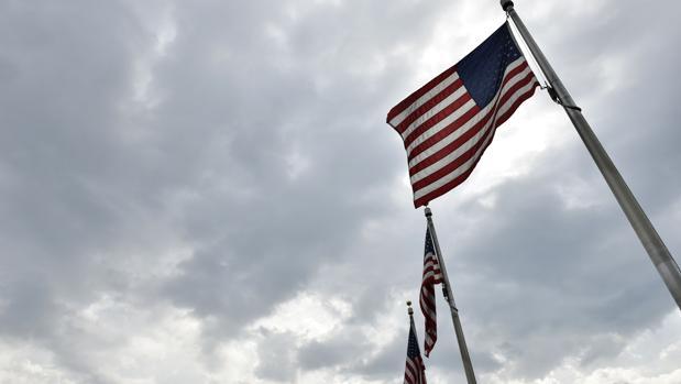 Banderas de EE. U.U., el emblema nacional para los americanos de este 4 de julio