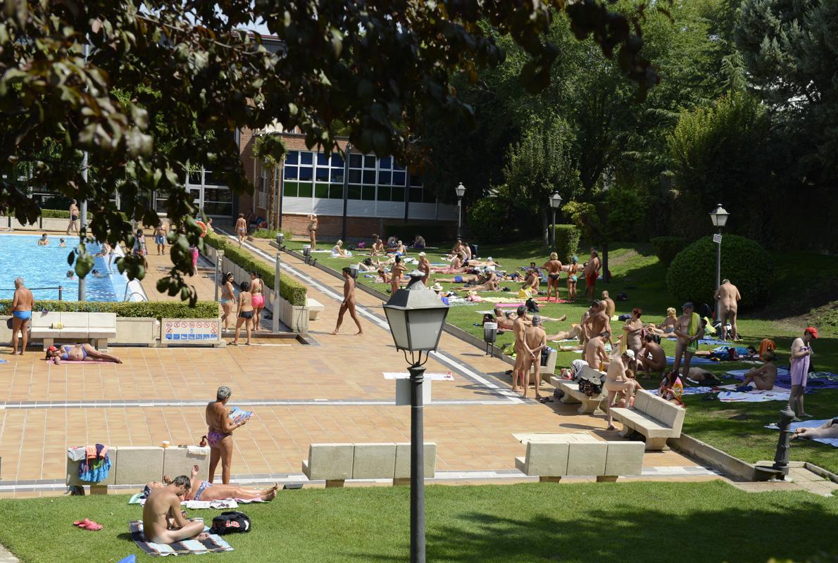Piscinas de agua salada en madrid fabulous centro for Piscina vicente del bosque