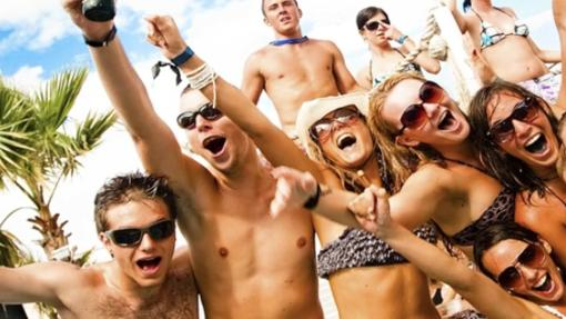 Fiesta en Penelope Beach Club en Benidorm.