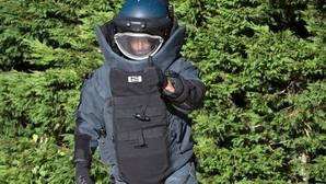 Trajes de «astronauta», perros y un robot con cañones: así neutraliza la Policía un atentado terrorista