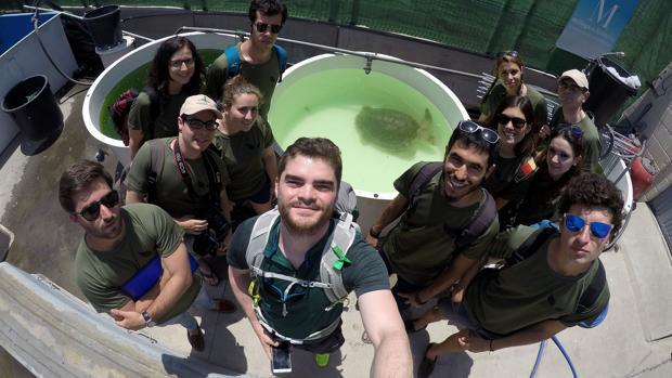 Los alumnos, durante una de las actividades que realizaron en el Hospital Marino (Crema)