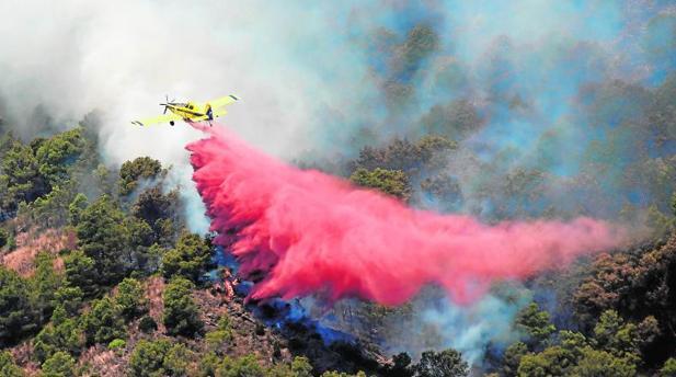 El incendio de Artana quema 1.500 hectáreas, la mitad en Espadán