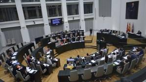 La Memoria Histórica caldea el Pleno y embarra el debate municipal