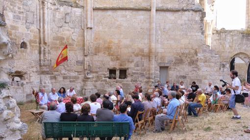 Las ruinas de Castrojeriz sirvieron de escenario para la presentación