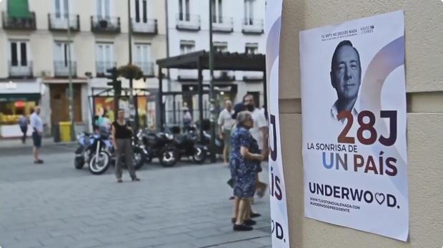 Cartel de Unidos Podemos con el candidato Frank Underwood (Kevin Spacey) en la calle Fuencarral en Madrid