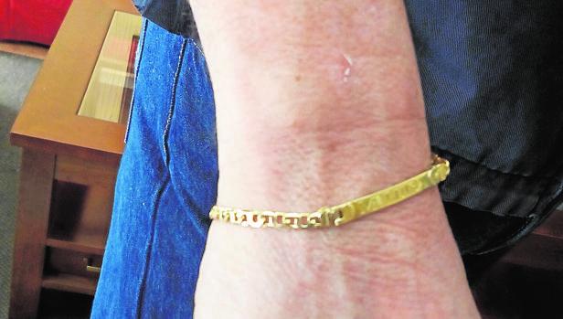 Una esclava de oro permitió la identificación del inspector que abusaba de menores
