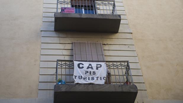 Airbnb y homeaway plantan cara a colau por su plan contra - Pisos turisticos barcelona ...