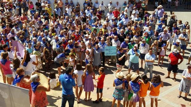 Más de un millar de personas han participado en la concentración