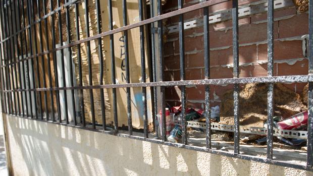 Degradación en San Fermín: los vecinos denuncian la suciedad, atracos y carreras ilegales