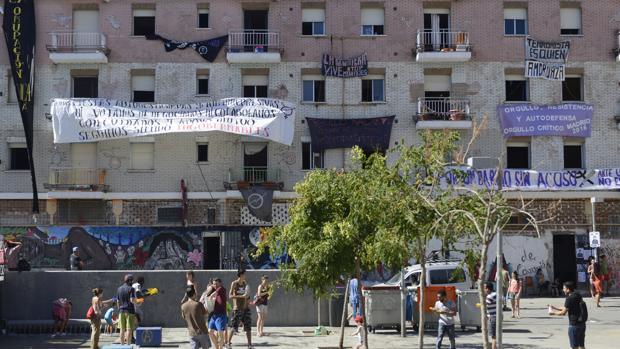 La casa ocupada La Quimera, en la plaza Nelson Mandela, en Madrid