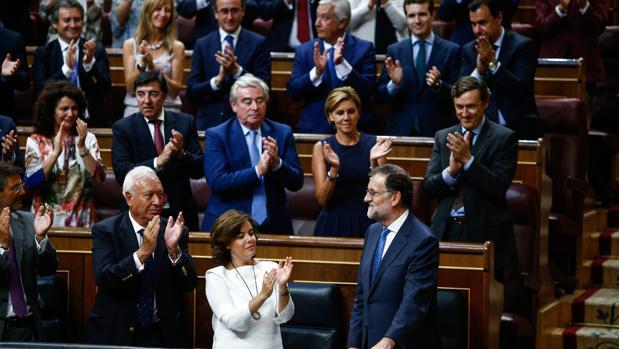 Resultado de imagen de aplausos parlamento español