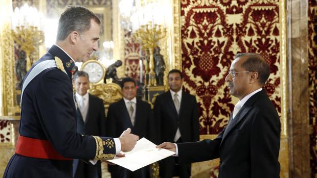 El rey recibir este mes las cartas credenciales de una - La casa de los uniformes sevilla ...