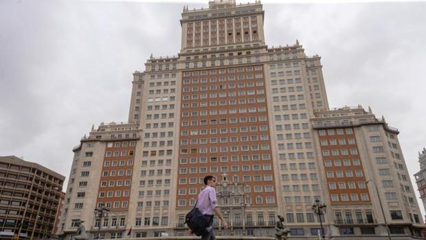El Edificio España, en la plaza homónima