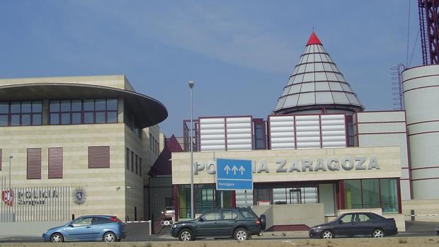 Detenido el jefe municipal de tr fico de zaragoza por for Oficinas de correos zaragoza