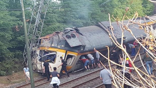 Hemeroteca: Tres muertos tras descarrilar un tren de pasajeros en Pontevedra   Autor del artículo: Finanzas.com