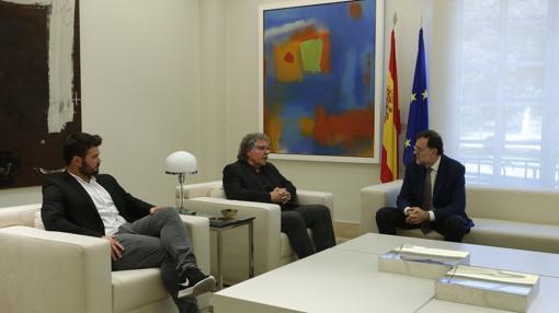 Rajoy, junto a Tardà y Rufián, en la reunión que mantuvieron en julio