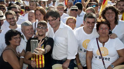 Hemeroteca: Puigdemont se apropia de la Diada y confirma sus planes secesionistas   Autor del artículo: Finanzas.com