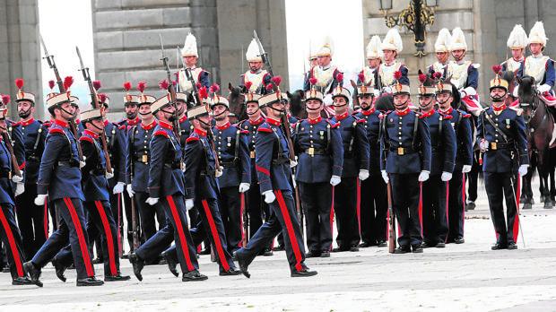 Hemeroteca: Un militar de la promoción del Rey, nuevo jefe de la Guardia Real | Autor del artículo: Finanzas.com