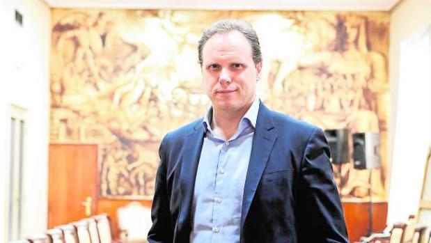 Lacalle, el economista que escogido por Cifuentes para «vender» Madrid en Londres
