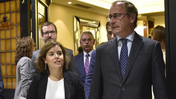 Hemeroteca: Santamaría: «Puigdemont tensa la cuerda por la cuestión de confianza»   Autor del artículo: Finanzas.com