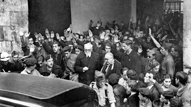 Imagen de archivo de Unamuno después del incidente con Millán Astray en la Universidad de Salamanca