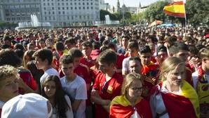 Colau multa de nuevo a los promotores de las pantallas para ver a la Selección en Barcelona