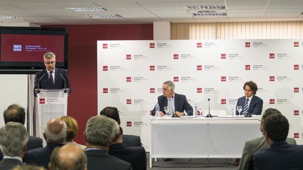 Jaime Olleros: «La universidad tiene el reto de formar abogados para las demandas de la sociedad»