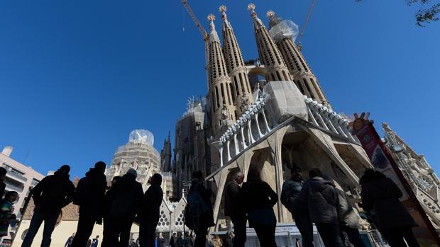 el concejal de barcelona se reafirma lo que est en contra de gaud es hacer esta mona de pascua