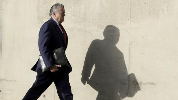 Hemeroteca: El PP apoya anular el juicio de Gürtel por la «ilegalidad» de la investigación | Autor del artículo: Finanzas.com