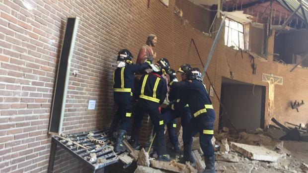 Los bomberos de Talavera, durant el rescate