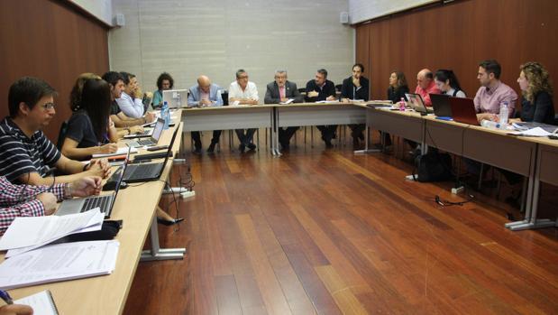 Ángel Felpeto preside la reunión de la Mesa Sectorial de Educación