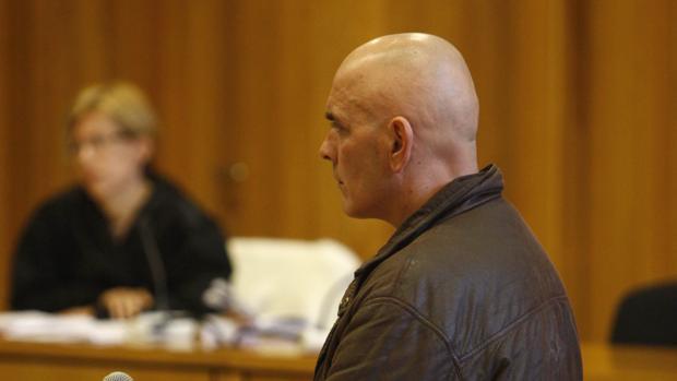 El hombre acusado de abusar sexualmente de su hija durante el juicio