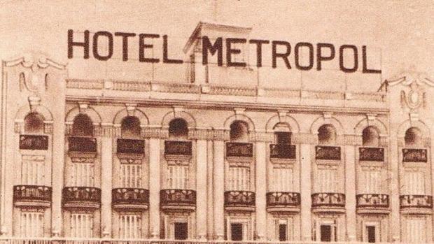Imagen de la fachada del Hotel Metropol, recogida en el libro «Comercios Históricos de Valencia»