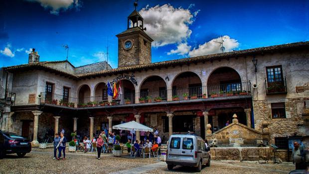 Plaza del Ayuntamiento de Budia, en Guadalajara