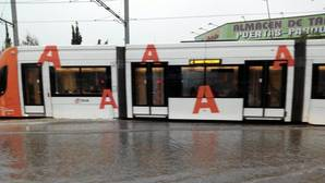 La tormenta bloquea el TRAM y causa inundaciones en Alicante