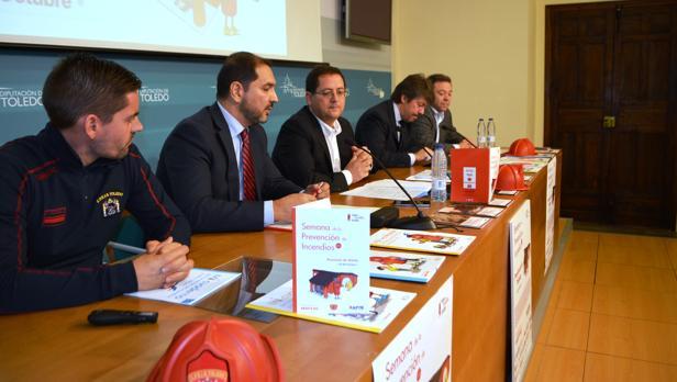 Participantes en la presentación de la Semana de la Prevención de Incendios