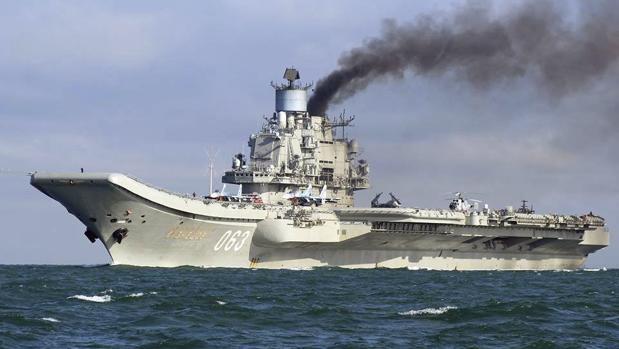 El portaaviones Kuznetsov, a su paso por el Canal de La Mancha el pasado día 21