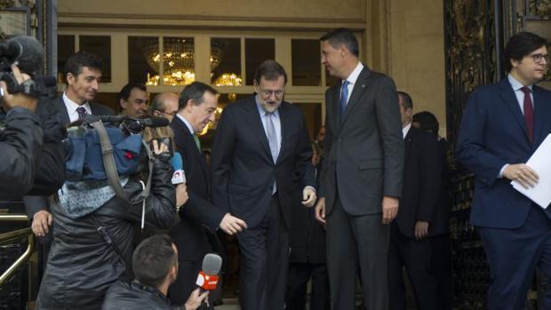 Mariano Rajoy asume que cederá en su prorama ante una legislatura en minoría