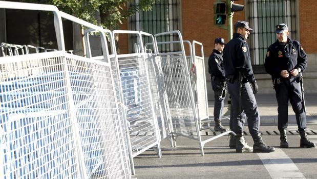 Hemeroteca: Autorizan la protesta de «Rodea el Congreso» pese al riesgo de altercados | Autor del artículo: Finanzas.com
