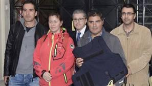 Una guardia civil se enfrenta a 6 meses de prisión por su chaleco antibalas adaptado