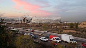 La Peineta: Carmena ampliará los carriles de Arcentales y pondrá otra glorieta para mejorar el acceso al estadio